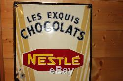 ANCIENNE GRANDE PLAQUE EMAILLEE LES EXQUIS CHOCOLATS NESTLE, KOHLER
