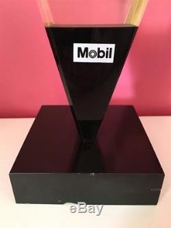 Ancien TROPHEE MOBIL Pegase année 60 BIDON HUILE pompe essence plaque emaillée