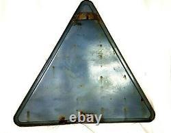 Ancien grand panneau signalisation routière dos d'âne émaillé 1968 (92cm X 3)