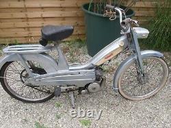 Ancienne MOBYLETTE MOTOBECANE AV 49 1967 complet, garage, autos, motos