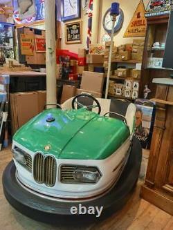 Ancienne auto tamponneuse IHLE modèle BMW de 1965