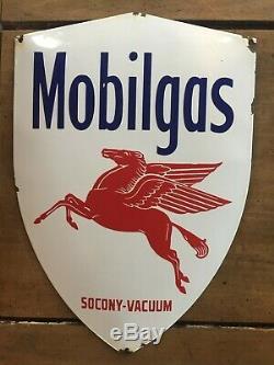 Ancienne plaque émaillée bombée Ecusson MOBILGAS Socony-Vacuum Garage 28x40cm