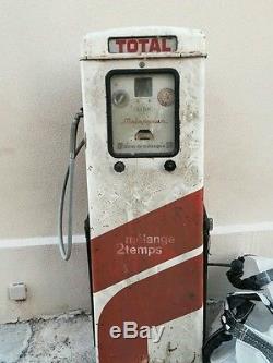 Ancienne pompe a essence