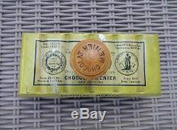 CHOCOLAT MENIER 1900 TOLE LITHO n plaque émaillée boite tin box dose kakao cocoa