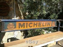 Etagère à pneus avec tole publicitaire Michelin 1920