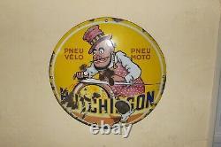 Plaque émaillée HUTCHINSON, années 30, d'après MICH. Emaillerie alsacienne