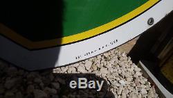 Plaque émaillée ancienne BP datée 1958 double face 74cm74cm + bidon 10L