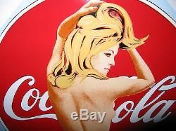 Plaque émaillée Coca Cola de Mel Ramos Enamel print on metal sign Pin-Up Pop Art