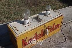 Vecchia bellissima insegna espositore pubblicitario luminoso kodak film